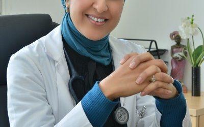 مصحة الساحل للانكولوجيا تنخرط في الحملة الوطنية للتحسيس بأهمية الكشف المبكر عن سرطان الثدي