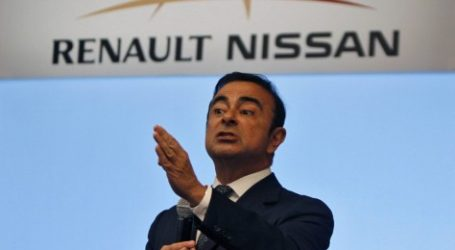 """الحكومة الفرنسية تلزم """"رونو"""" بتعويض رئيسها التنفيذي كارلوس غصن"""